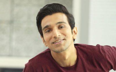 "Pratik Gandhi begins shoot of his next romantic comedy ""Atithi Bhooto Bhava"""